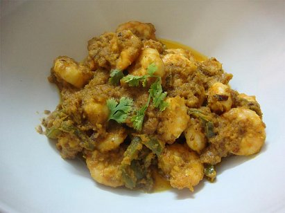 Kaju Chingri Curry - Prawn with Cashewnut Paste Curry